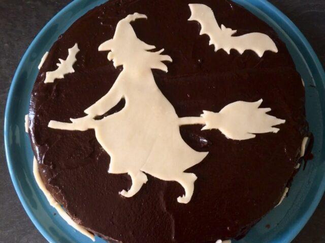 Un gâteau d'Halloween et quelques présents d'automne pour Abel