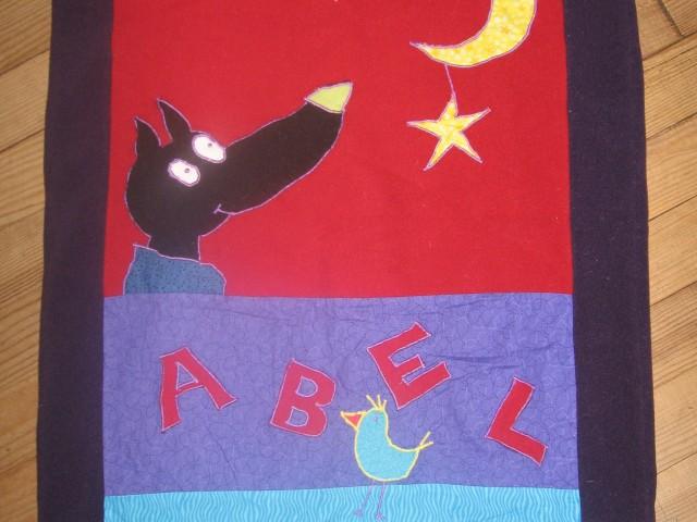 Ma «première» création : tapis d'éveil pour la naissance d'Abel (modèle Laëtitia Gheno)